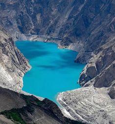 Hunza valley is located in Gilgit-Baltistan, Pakistan. Pakistan Tourism, Pakistan Zindabad, Pakistan Travel, Pakistan Wallpaper, Pakistan Pictures, Places To Travel, Places To Go, Hunza Valley, Beautiful Disaster