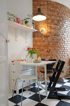 Furnishing ideas for your dining area in the kitchen The modern interior design ideas for the dining Scandinavian Style Home, Scandinavian Interior Design, Nordic Style, Small Dining, Dining Area, Dining Rooms, Dining Table, Happiest Places To Live, Eat In Kitchen