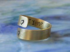 Spiral Ring Messing mit Herzen personalisiert Hand gestempelt | Etsy Hand Gestempelt, Messing, Spiral, Cuff Bracelets, Rings For Men, Etsy, Jewelry, Personalised Jewellery, Men Rings
