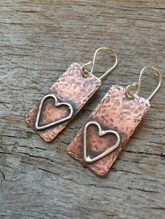 Mixed Metal Hammered Rustic Heart Dangle Earrings with Sterling Silver and Copper - Ohrringe Custom Jewelry, Diy Jewelry, Jewelry Accessories, Handmade Jewelry, Jewelry Design, Jewelry Making, Jewelry Stores, Geek Jewelry, Jewellery Shops