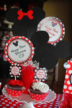 Mickey & Minnie Mouse Themed First Birthday Party- Mickey & Minnie Mouse Themed First Birthday Party Flawless Events Fla FlawlessEventFl birthday theme party Mickey and Minnie Mouse themed birthday party with Such Cute Ideas via Kara's Party Ideas Minnie Mouse Party Decorations, 1st Birthday Party Decorations, 1st Birthday Themes, Happy First Birthday, Birthday Diy, First Birthday Parties, First Birthdays, Mickey Y Minnie, Mickey Party