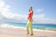 Tenersi in forma durante la gravidanza non è così difficile come potrebbe sembrare, basta attenersi a qualche regola.  Seguire una dieta sana ed fare sport moderato sono i segreti.