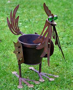 Metal Rooster Garden Planter