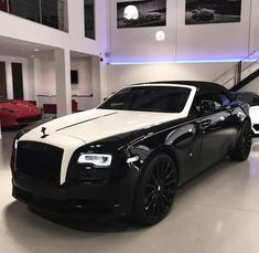 Rolls Royce Dawn Via: ferraghini_performance_cars - Luxury Boat, Top Luxury Cars, Luxury Travel, Bugatti, Voiture Rolls Royce, Rolls Royce Dawn, Bmw Classic Cars, Performance Cars, Car Wheels
