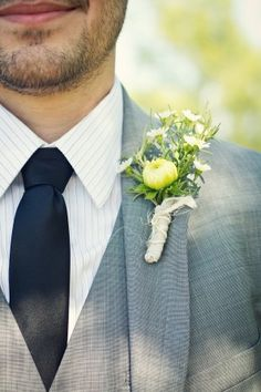 gray groom suit and wildflower boutonniere