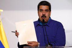 Lo bolívares soberanos harán su debut el 1º de Mayo sin los nuevos billetes - El presidente de Venezuela Nicolás Maduro febrero de 2018. REUTERS/Marco Bello El Gobierno venezolano decretó hoy quea partir del 1 de mayo los precios de los productos deberán expresarse en bolívares soberanos,la nueva versión de la moneda venezolana, que elimina tres ceros de su denomi... - https://notiespartano.com/2018/03/28/lo-bolivares-soberanos-haran-su-debut-el-1o-de-mayo/