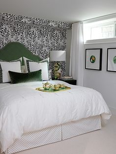 Picket Fence Design: WHY IT WORKS - Sarah's Guest Room