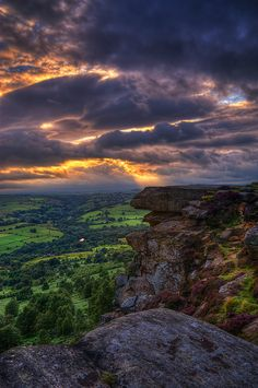 A stormy sunset at Curbar Edge, Peak District, Derbyshire, UK. One of my favourite places in the world. Beautiful World, Beautiful Places, Beautiful Pictures, English Countryside, Derbyshire, Belleza Natural, Belle Photo, Beautiful Landscapes, The Great Outdoors