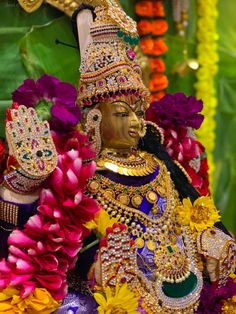 I hope you guys had a wonderful varalakshmi pooja. Checkout our ammavaru this year and let me know what you guys think 😍 Shiva Art, Shiva Shakti, Diwali Photography, Pooja Room Door Design, Hair Illustration, Lakshmi Images, Ganesha Pictures, Hindu Deities, Hinduism