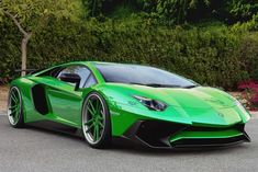 Lamborghini Aventador SV Goes Green - Auto X Luxury Sports Cars, Best Luxury Cars, Sport Cars, Lamborghini Aventador Roadster, Green Lamborghini, Ferrari, Dream Cars, Automobile, Sexy Cars