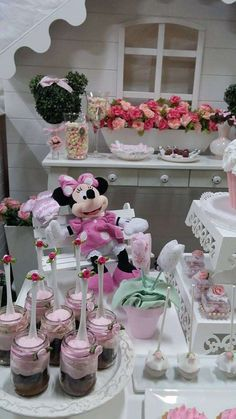 See more party planning ideas at… Minie Mouse Party, Minnie Mouse Rosa, Minnie Mouse Birthday Theme, Mickey Y Minnie, 1st Birthday Girls, Birthday Party Treats, 1st Birthday Parties, Disney Themed Cakes, Doll Party