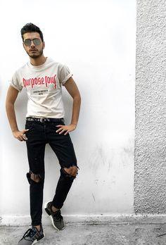 Graphic tshirt #purposetourmerch #justinbieber #rippeddenim #adidasnmd #streetstyle #lookbook #lookbooknu