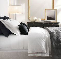 64 the coolest and easy but luxury bed room decoration is perfect for your home page 19 Bedroom Colors, Home Decor Bedroom, Bedroom Furniture, Bedroom Ideas, Bedroom Designs, Wooden Furniture, White Bedroom Black Furniture, Black White And Gold Bedroom, Furniture Ideas