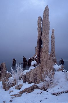 Mono Lake California...<3 I have seen this place, and I swear you'd think that you just awakened upon another planet <3