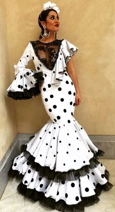 Flamenco Costume, Spanish Dress, Different Fabrics, Dress For You, African Fashion, Short Sleeve Dresses, Prom Dresses, Couture, Womens Fashion