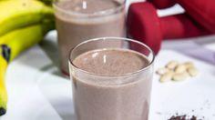 Frullato Proteico con Mandorle, Banana e Cacao