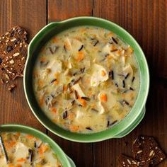 Chicken Wild Rice Soup Recipe -I'm originally from Minnesota where wild rice grows in abundance and is very popular in recipes. This soup has been part of our Christmas Eve menu for - Comfort Food Recipes Turkey Broth, Turkey Soup, Turkey Wild Rice Soup, Chicken Wild Rice Soup, Creamy Chicken, Chicken Soups, Cooked Chicken, Chicken Recipes, Slow Cooker