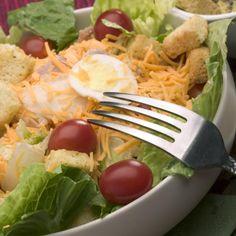 Tudo fresco: 10 saladas imperdíveis para o verão | eHow Brasil