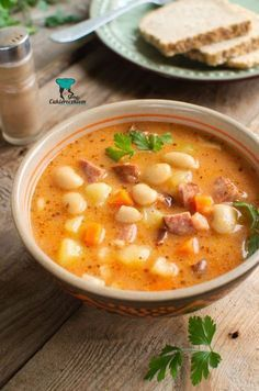 Szybka zupa fasolowa Best Soup Recipes, Cookbook Recipes, Wine Recipes, Cooking Recipes, Best Food Ever, Sandwiches, Breakfast Recipes, Good Food, Food And Drink
