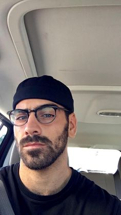American Top Model, Nyle Dimarco, Beautiful Men Faces, Sexy Beard, Bear Men, Hot Actors, Pretty Men, Mens Glasses, Male Face