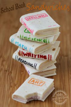 Book Sandwiches School Book Sandwiches ~ so cute and so easy to make. a perfect healthy snack for lunch.School Book Sandwiches ~ so cute and so easy to make. a perfect healthy snack for lunch. Cute Snacks, Cute Food, Good Food, Yummy Food, Party Snacks, Kid Snacks, Lunch Snacks, Finger Sandwiches, Fun Sandwiches For Kids