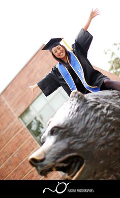college graduation photo ideas-only Beth Ann's will be with a cougar...