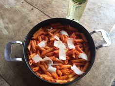 Recette des Penne à la Vodka... Un recette aussi délicieuse que décadente à tester absolument par les amoureux de pasta italiennes...