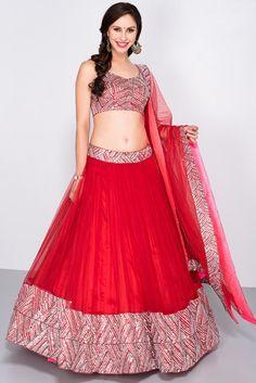 MAHIMA MAHAJAN Red sequin lehenga set #flyrobe #weddings #indianbride #lehenga #sangeetlehenga #lehengacholi #designerlehenga