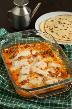 Crepes cannelloni with meat sauce - CuciniAmo con Chicca Gourmet Recipes, Cooking Recipes, Healthy Recipes, Cannelloni Recipes, Confort Food, Italy Food, Pasta Maker, Crepe Recipes, Italian Recipes