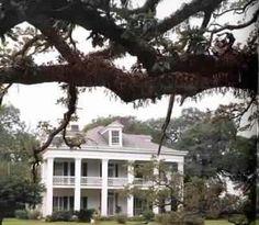 Felicity Plantation in Vacherie, Louisiana. The Skeleton Key was filmed here.