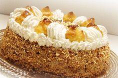 Torta Saint Honorè - Donne Sì #torte #dolci #sainthonore #ricette, #cucina #gusto #crema #pandispagna #bignè
