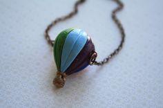 Bunte Heißluft Ballon Halskette KeramikAnhänger rot von FreshyFig, $24.00