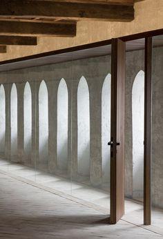 The Condestable's House / Tabuenca & Leache, Arquitectos Front Door Paint Colors, Painted Front Doors, Room Door Design, Main Door Design, Stained Glass Door, Sliding Glass Door, Minimalist Interior, Modern Interior, Black Entry Doors
