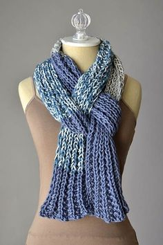 One skein project! Everyone's Favorite Scarf Free Knitting Pattern