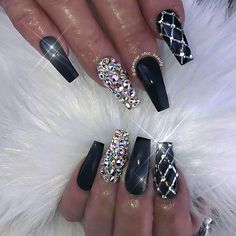 Newest Coffin Nails Designs 2018 Coffin nails are becoming more and more popular these days. Even though it's name seemed scary, most women still pursue this style. Coffin nails are… Nail Art Designs, Nail Designs Bling, Black Nail Designs, Acrylic Nail Designs, Nails Design, Ongles Bling Bling, Rhinestone Nails, Bling Nails, Nail Polish
