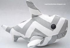 Sugar Baby Boutique: Shark Stuffie {gratuito modelli e tutorial}
