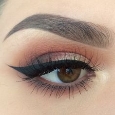 #Eyebrows #Eyemakeup #Partyqueenbeauty #Partyqueenbrushes  #EyeLiner #Eyeshadow #Makeup