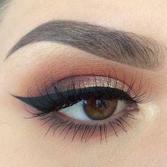 #Eyebrows #Eyemakeup #Partyqueenbeauty #Partyqueenbrushes  #EyeLiner #Eyeshadow #Makeup