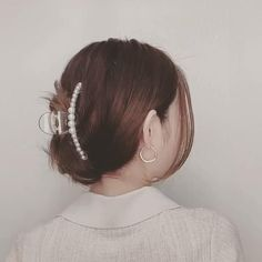 Claw Hair Clips, Hair Claw, Clip Hairstyles, French Hairstyles, Hair Tips Video, Hair Up Styles, Edgy Hair, Aesthetic Hair, Hair Barrettes