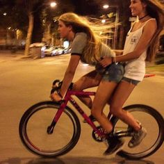 Women in tights... Women on bikes...