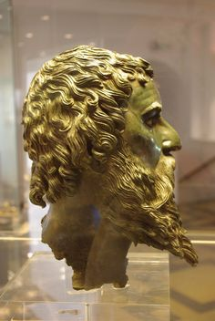 Thracian King 4th C. BCE. Bulgaria. Sofia Museum. -Herodotus thought Thrace was the most heavily populated 'nation' in the world after India.
