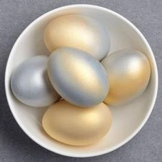 Shimmering Easter Eggs using Color Mist Food Color Spray
