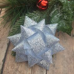 Christmas Present hairbow - Christmas bow - Holiday bow - Silver hair bow - Present bow - Silver glitter - Hair clip - unique holiday bow by BBgiftsandmore on Etsy