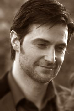 The dashing Richard Armitage as John Mulligan in 'Moving On.' Lord, please help the women of this earth in our hour of need... (seriously because I die)