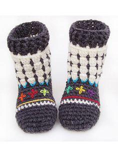 Crochet Baby Booties & Socks - Fair Isle Booties for Kids Crochet Pattern Crochet Sole, Annie's Crochet, Crochet Baby Shoes, Crochet Baby Booties, Crochet Slippers, Thread Crochet, Crochet For Kids, Crochet Clothes, Crochet Patterns