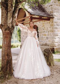 "Gorgeous Embroidered Ivory A-Lane Princess Wedding Dress / Bridal Gown with V-Neck Cut Illusion, Long Sleeves and a Train. Collection ""Wind Rose"" 2019 by Armonia Wedding Dress Sleeves, Dresses With Sleeves, Princess Cut, Princess Wedding, Amazing Wedding Dress, Wedding Crafts, Wedding Attire, Bridal Dresses, Ball Gowns"