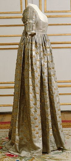 Coronation dress of Queen Frederica, 1800 From... - Fripperies and Fobs