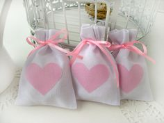 Wedding favor bags - Set of 20- White Rustic Linen Wedding Favor Bag with pink linen hearts -Baby Shower