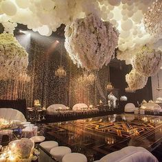 Wedding decor, flowers, airballoons