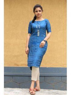 Buy Handloom Clothing for Women Online Khadi Kurti, Handloom Saree, Cotton Sarees Online, Cotton Dresses, Bodycon Dress, Dresses For Work, Girls, Stuff To Buy, How To Wear